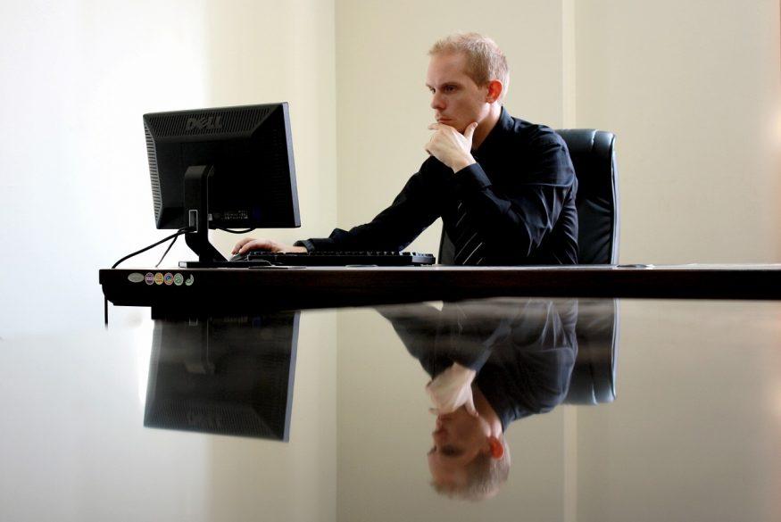 「仕事が好きではなく」「職場はたのしくない」という人物であっても、成果をあげてもらうことはできる。