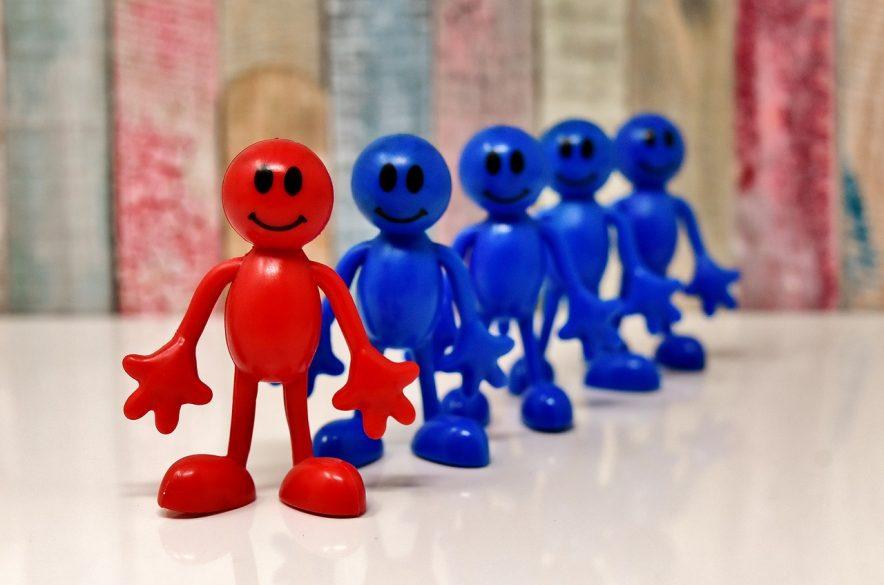 「イニシアチブ」と「リーダーシップ」の違いとは?組織を活性化するための使い分けも徹底解説!