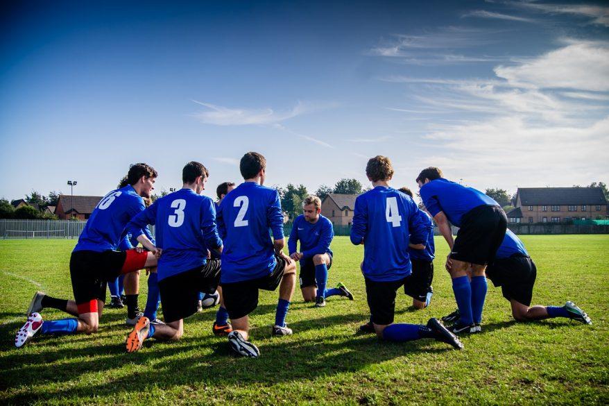 サッカー日本代表監督のマネジメントを、一般企業にあてはめてみる-社会変化という視点から-
