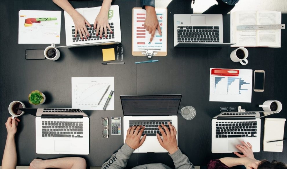 これからのデジタル時代にどんな「管理職」が求められるのか