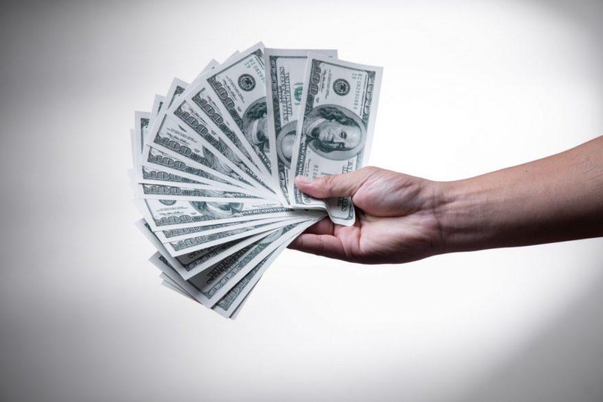 会社経営がピンチの時には借りられるだけのお金を借金することが大切な理由