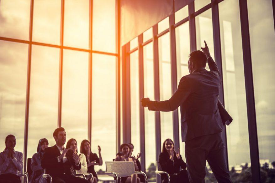 有事に求められるリーダー像 リーダーシップが引き出す意外なモチベーションとは