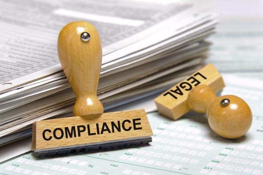 コンプライアンス部門と法務部門は分けるべきか?役割の違いと企業文化からの考察