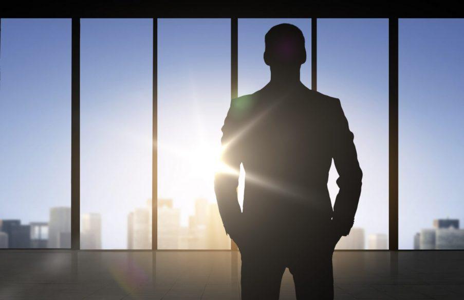 ワンマン社長とは?ワンマンな経営者に共通する特徴と7つの対策法