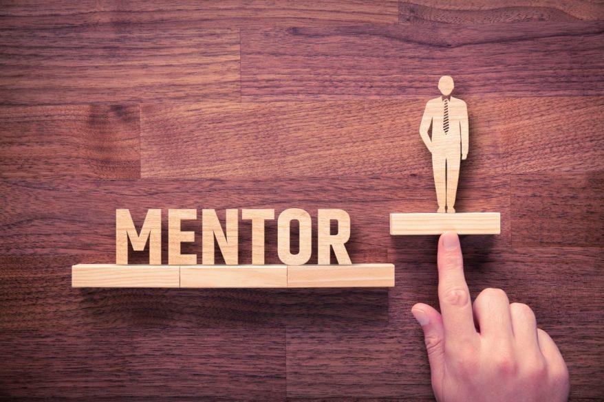 メンター制度とは?メンター制度の成功事例や意義、効果を徹底解説!
