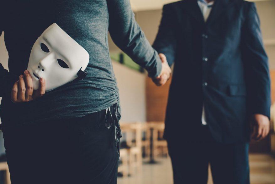 業務委託での人材受入れは「偽装請負」に注意 判断基準・ペナルティなどを弁護士が解説
