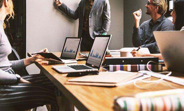 KPIとKGIの違いとは?目標達成に重要な指標を徹底解説!