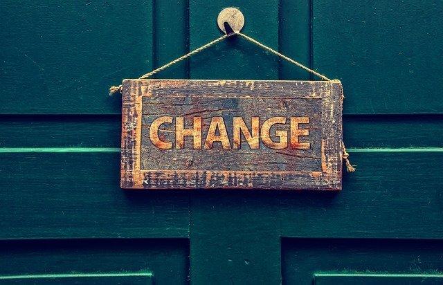 チェンジマネジメントとは?組織を変える8つのプロセスと事例を解説