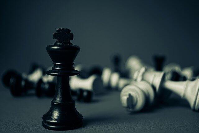 事業戦略とは?策定方法や立案に必要なフレームワーク9選と事例紹介