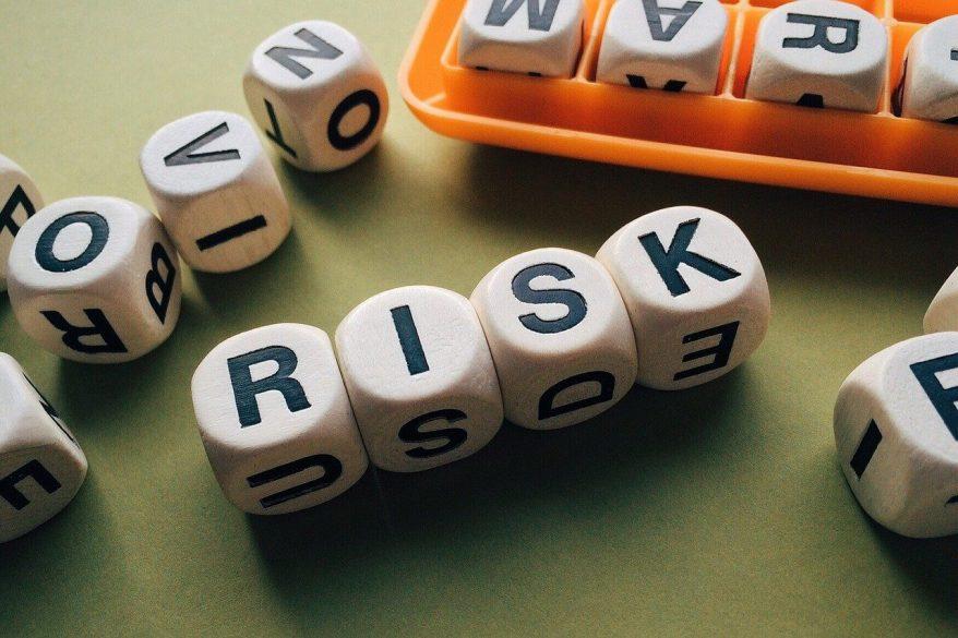 リスクマネジメントとは?具体的な4つの対応策や重要性を解説